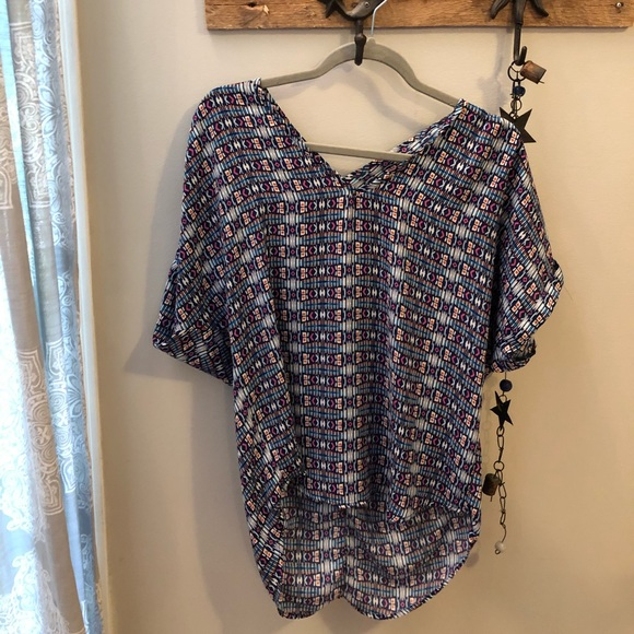 Francesca's Collections Tops - Francesca's slouchy bright patterned tunic